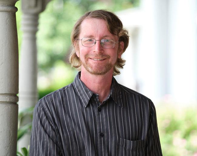 Scott Weisser, Writer + Editor - Eyedart Creative Studio